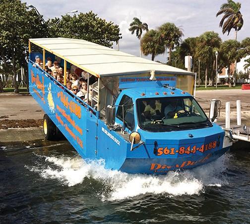 Le Diva Duck amphibie vous fera visiter Palm Beach et ses environs par terre et par eau.